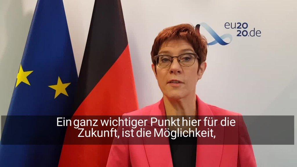Ministerin Kramp-Karrenbauer zieht eine positive Bilanz des Verteidigungsrats