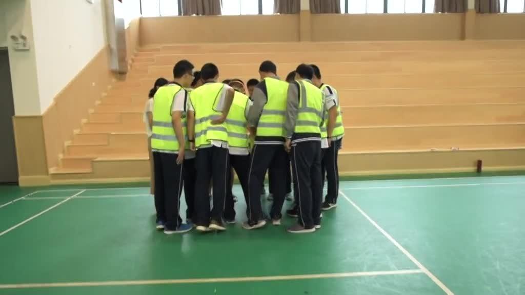 Verkehrssicherheitstraining an der Shanghai Caoyang Nr. 2 Mittelschule
