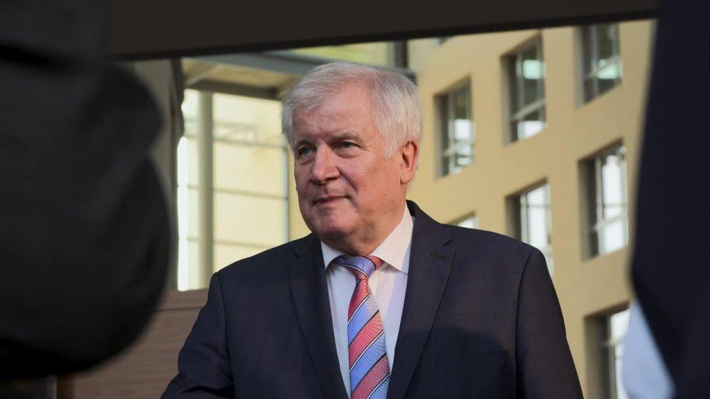 Message vidéo du ministre fédéral de l'Intérieur, Horst Seehofer, à l'occasion de la réunion informelle des ministres de l'In