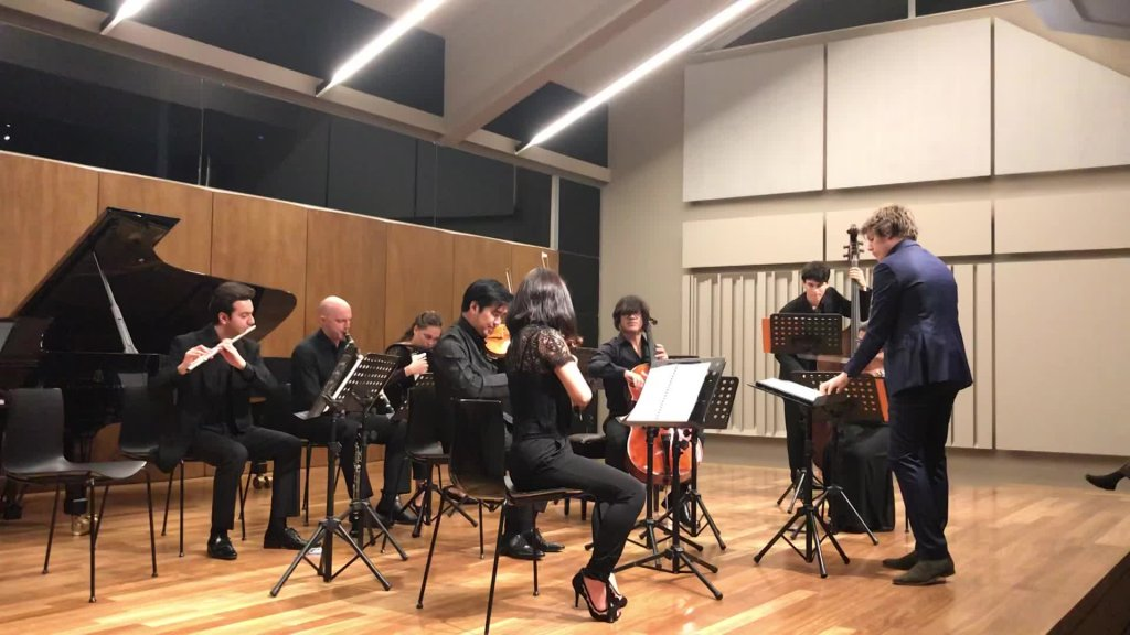 """Großer Klang in kleiner Besetzung: """"Ensemble Mini"""" spielt Brahms und Bruckner im Odeion Athinon"""